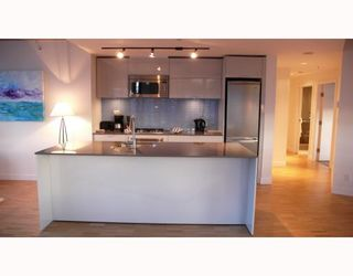 """Photo 5: 2310 128 W CORDOVA Street in Vancouver: Downtown VW Condo for sale in """"WOODWARDS W43"""" (Vancouver West)  : MLS®# V791001"""