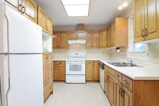 "Photo 2: 18 2865 GLEN Drive in Coquitlam: Eagle Ridge CQ House for sale in ""BOSTON MEADOWS"" : MLS®# R2146154"