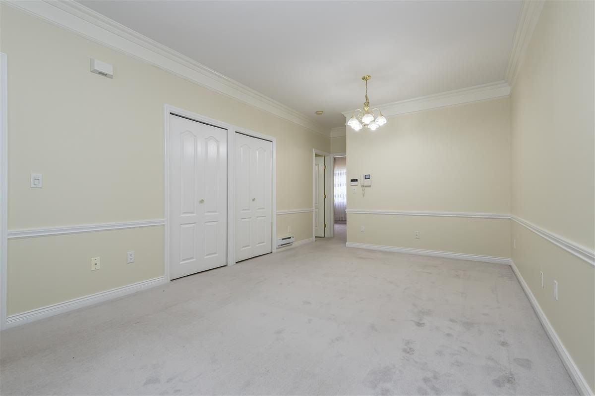 Photo 2: Photos: 3178 GILMORE Avenue in Burnaby: Central BN 1/2 Duplex for sale (Burnaby North)  : MLS®# R2474693