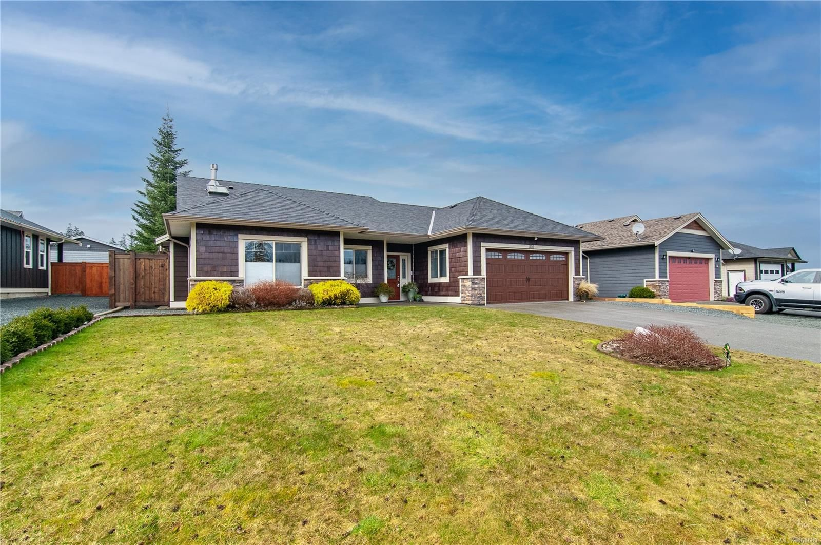 Main Photo: 502 Park Forest Dr in : CR Campbell River West House for sale (Campbell River)  : MLS®# 868689