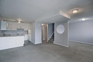 Photo 12: 140 3015 51 Street SW in Calgary: Glenbrook Row/Townhouse for sale : MLS®# A1092906