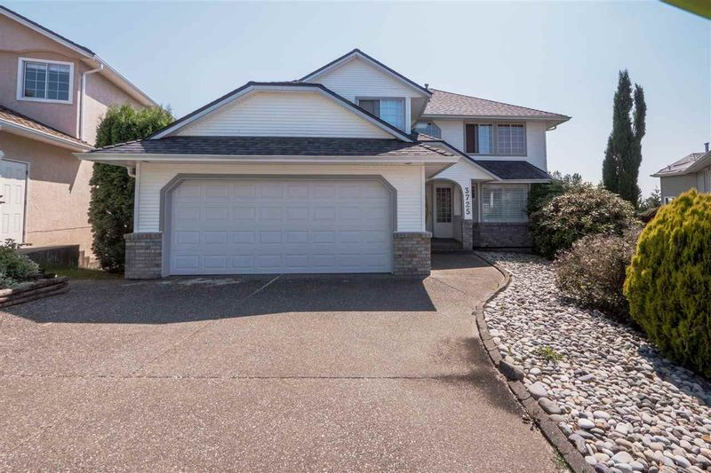 FEATURED LISTING: 3725 LETHBRIDGE Drive Abbotsford