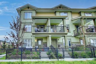 Photo 2: 111 Evanscrest Gardens NW in Calgary: Evanston Row/Townhouse for sale : MLS®# A1135885