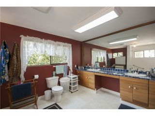 Photo 15: 1535 LENNOX ST in North Vancouver: Blueridge NV House for sale : MLS®# V1061031