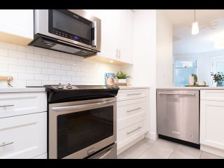 Photo 16: 36 W 14TH Avenue in Vancouver: Mount Pleasant VW Townhouse for sale (Vancouver West)  : MLS®# R2541841