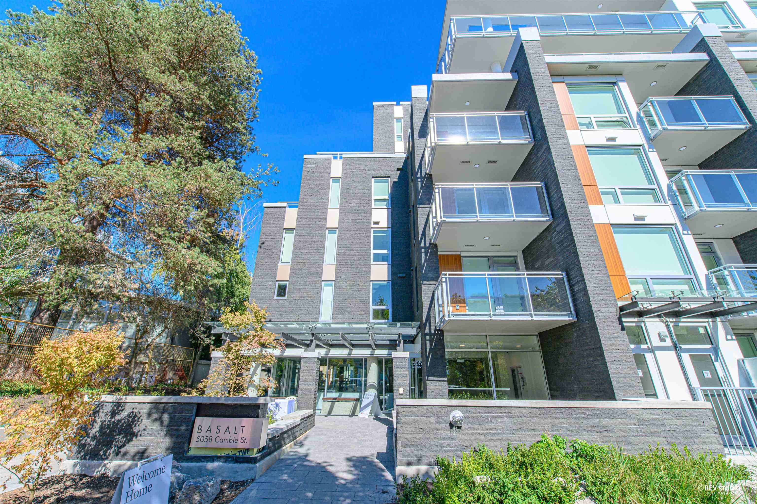 Main Photo: 102 5058 CAMBIE Street in Vancouver: Cambie Condo for sale (Vancouver West)  : MLS®# R2624372