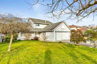 Photo 3: 15539 91A Avenue in Surrey: Fleetwood Tynehead House for sale : MLS®# R2533058