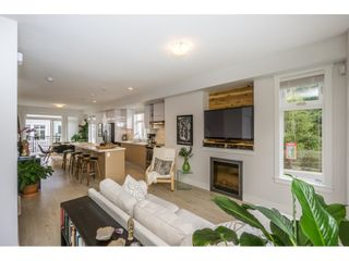 """Photo 6: 1 14433 60 Avenue in Surrey: Sullivan Station Townhouse for sale in """"Brixton"""" : MLS®# R2158472"""
