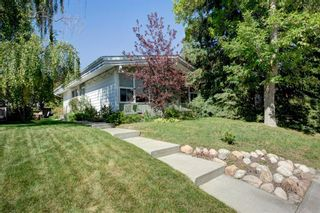 Photo 2: 6207 Lloyd Crescent SW in Calgary: Lakeview Detached for sale : MLS®# A1144940