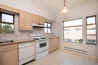 "Photo 2: 301 1118 55 Street in Delta: Tsawwassen Central Condo for sale in ""CAMBRIDGE PLACE"" (Tsawwassen)  : MLS®# R2596618"