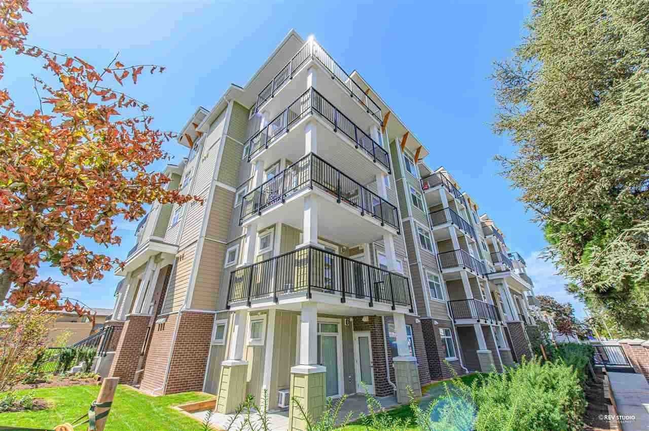 Main Photo: 215 20686 EASTLEIGH Crescent in Langley: Langley City Condo for sale : MLS®# R2541816