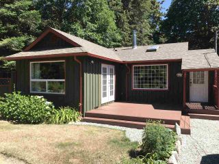 Photo 1: 7773 LOHN Road in Halfmoon Bay: Halfmn Bay Secret Cv Redroofs House for sale (Sunshine Coast)  : MLS®# R2285291