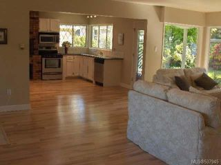 Photo 4: 1064 Eaglecrest Dr in QUALICUM BEACH: PQ Qualicum Beach House for sale (Parksville/Qualicum)  : MLS®# 537945