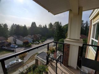 "Photo 16: 502 13883 LAUREL Drive in Surrey: Whalley Condo for sale in ""EMERALD HEIGHTS"" (North Surrey)  : MLS®# R2487614"