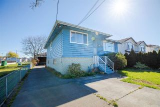 """Photo 4: 329 WOOD Street in New Westminster: Queensborough House for sale in """"Queensborough"""" : MLS®# R2571025"""