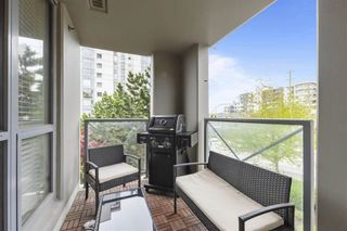 """Photo 8: 303 850 ROYAL Avenue in New Westminster: Downtown NW Condo for sale in """"THE ROYALTON"""" : MLS®# R2592407"""