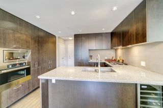 """Photo 5: 2102 3008 GLEN Drive in Coquitlam: North Coquitlam Condo for sale in """"M2 by Cressey"""" : MLS®# R2403758"""