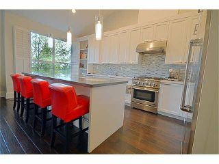 """Photo 2: 110 1465 PARKWAY Boulevard in Coquitlam: Westwood Plateau Townhouse for sale in """"SILVER OAK"""" : MLS®# V1092299"""