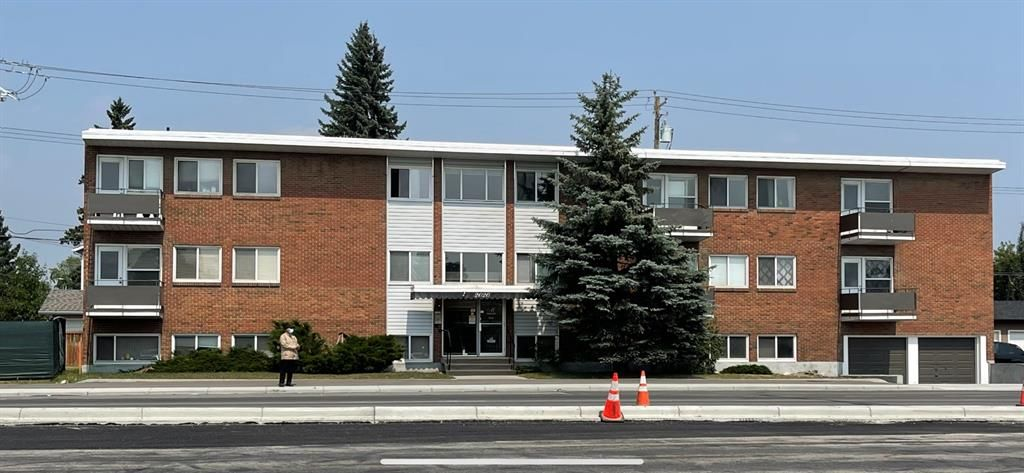 Main Photo: 4 2020 16 Avenue NW in Calgary: Banff Trail Apartment for sale : MLS®# A1135575