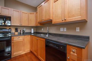 Photo 13: 8 15 Helmcken Rd in View Royal: VR Hospital Row/Townhouse for sale : MLS®# 829595