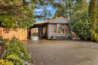 Photo 1: 2106 Stadacona Dr in : CV Comox (Town of) House for sale (Comox Valley)  : MLS®# 862896