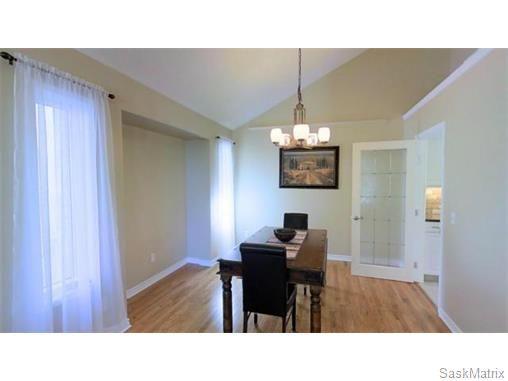 Photo 4: Photos: 606 Forsyth Crescent in Saskatoon: Erindale Single Family Dwelling for sale (Saskatoon Area 01)  : MLS®# 568828