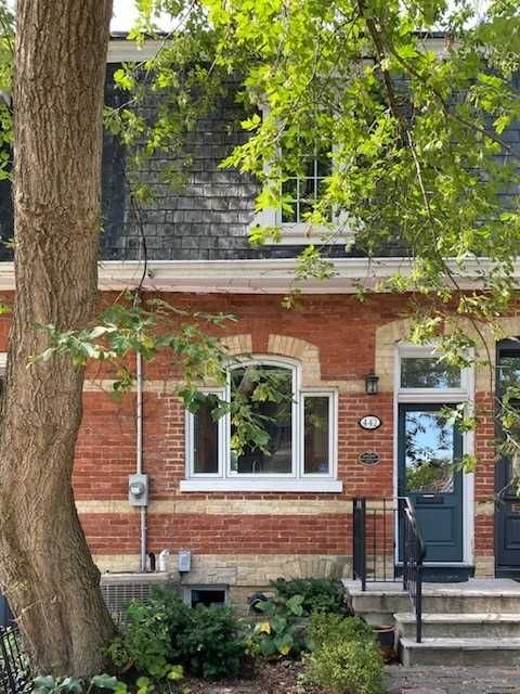 Main Photo: 442 Sumach Street in Toronto: Cabbagetown-South St. James Town House (2-Storey) for lease (Toronto C08)  : MLS®# C4903376