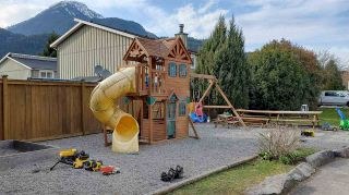 """Photo 22: 11 39754 GOVERNMENT Road in Squamish: Northyards Townhouse for sale in """"Maple Tree Court"""" : MLS®# R2562996"""