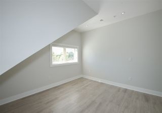 Photo 30: 4308 BEATRICE Street in Vancouver: Victoria VE 1/2 Duplex for sale (Vancouver East)  : MLS®# R2510193