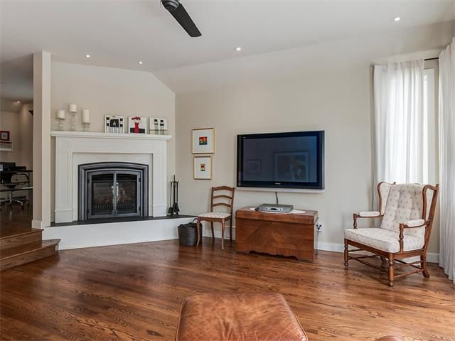 Photo 19: Photos: 309 16 Street NW in Calgary: Hillhurst House for sale : MLS®# C4005350