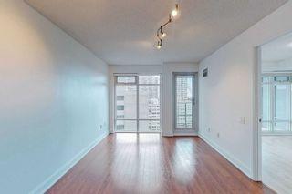 Photo 4: 1801 2191 Yonge Street in Toronto: Mount Pleasant West Condo for sale (Toronto C10)  : MLS®# C5375098