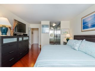 """Photo 13: 707 15111 RUSSELL Avenue: White Rock Condo for sale in """"PACIFIC TERRACE"""" (South Surrey White Rock)  : MLS®# R2074159"""