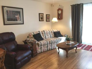Photo 2: 124 2191 Murrelet Dr in COMOX: CV Comox (Town of) Row/Townhouse for sale (Comox Valley)  : MLS®# 796149