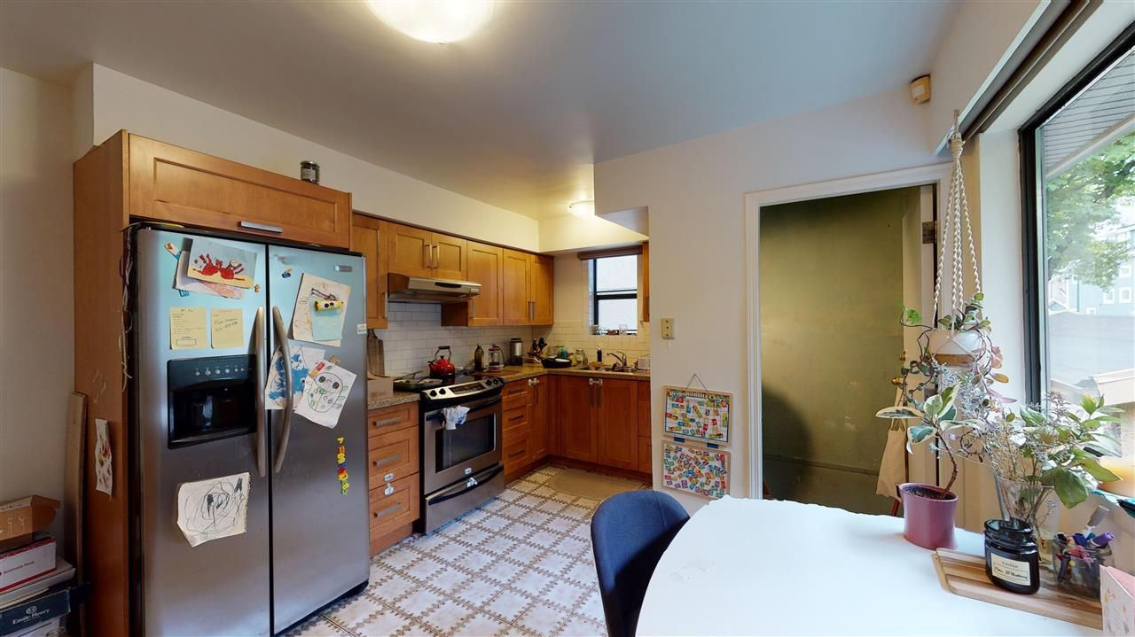 Photo 15: Photos: 1412 VICTORIA Drive in Vancouver: Grandview Woodland House for sale (Vancouver East)  : MLS®# R2593019