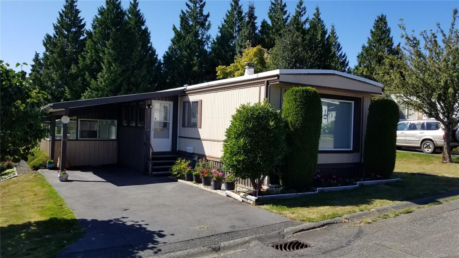 Main Photo: 69 1160 Shellbourne Blvd in Campbell River: CR Campbell River Central Manufactured Home for sale : MLS®# 874098