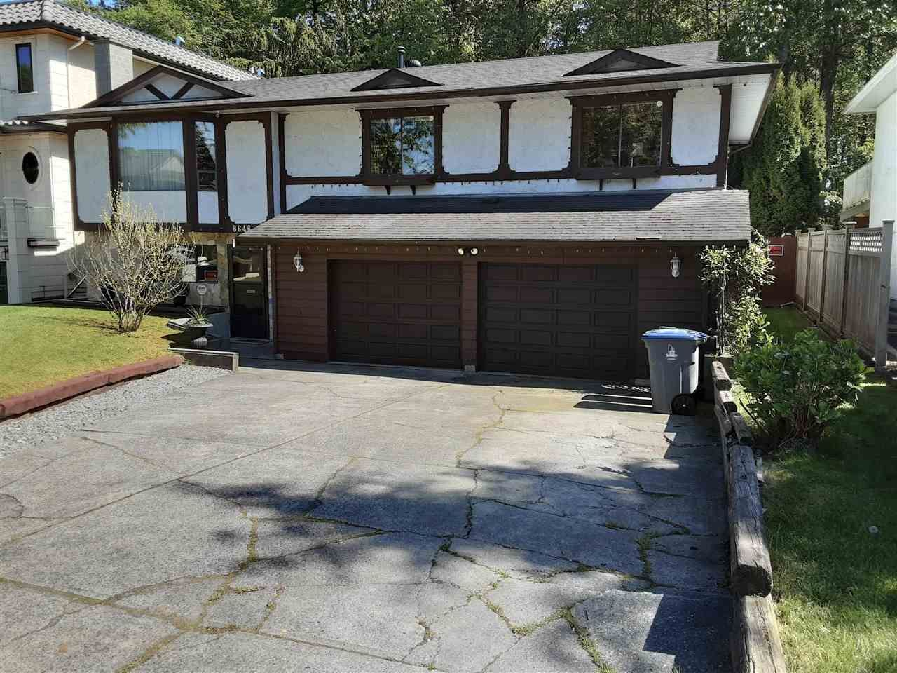 Main Photo: 8646 E TULSY Crescent in Surrey: Queen Mary Park Surrey House for sale : MLS®# R2587658