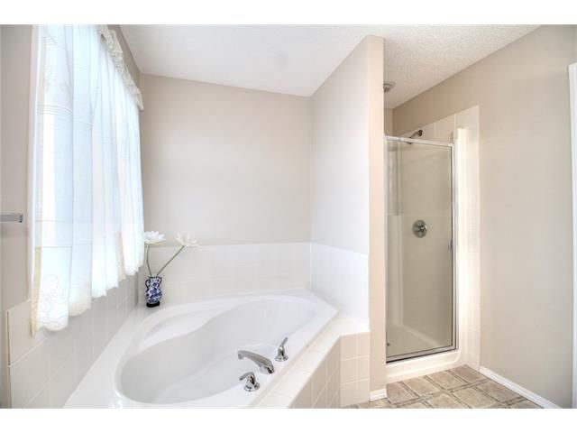 Photo 24: Photos: 606 EVERMEADOW Road SW in Calgary: Evergreen House for sale : MLS®# C4053479