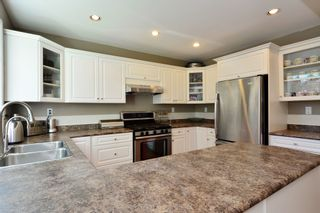 Photo 15: 1933 SOUTHMERE CRESCENT in South Surrey White Rock: Home for sale : MLS®# r2207161