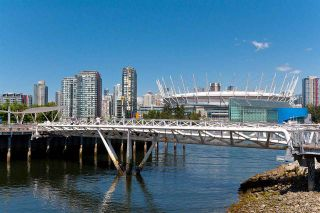 """Photo 23: 318 38 W 1ST Avenue in Vancouver: False Creek Condo for sale in """"THE ONE"""" (Vancouver West)  : MLS®# R2576246"""