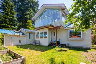 """Photo 2: 1540 WHITE SAILS Drive: Bowen Island House for sale in """"Tunstall Bay"""" : MLS®# R2613126"""
