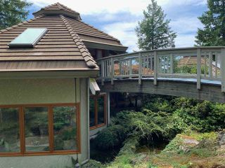 """Photo 11: 2388 GAMBIER Road: Gambier Island House for sale in """"Gambier Harbour"""" (Sunshine Coast)  : MLS®# R2392868"""