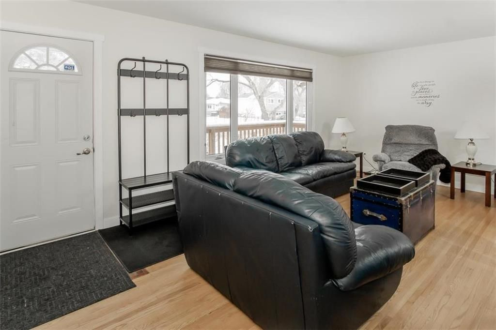 Photo 3: Photos: 93 Pike Crescent in Winnipeg: East Elmwood Residential for sale (3B)  : MLS®# 202108663