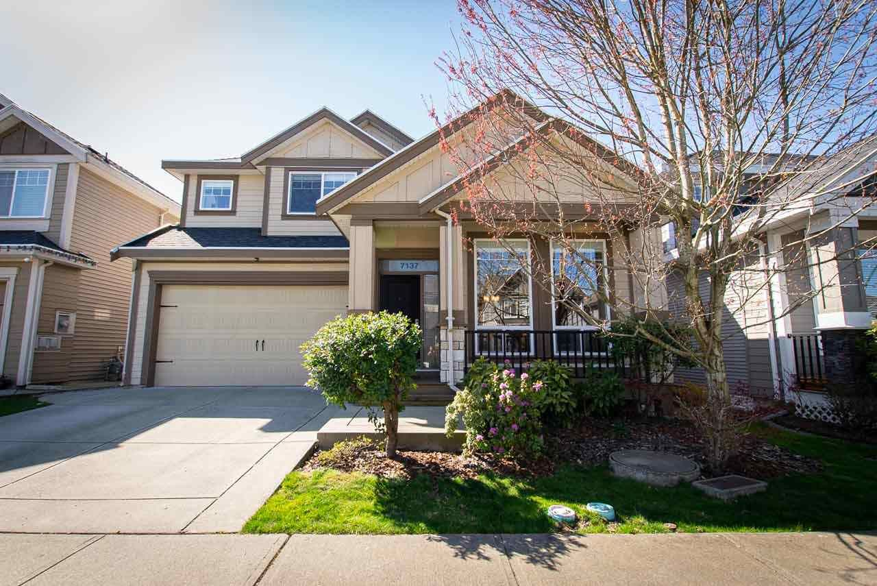 Main Photo: 7137 194B Street in Surrey: Clayton House for sale (Cloverdale)  : MLS®# R2563851