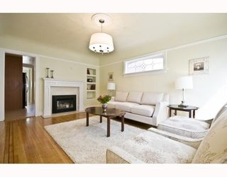 "Photo 2: 4107 DUNDAS Street in Burnaby: Vancouver Heights House for sale in ""VANCOUVER HEIGHTS"" (Burnaby North)  : MLS®# V783153"