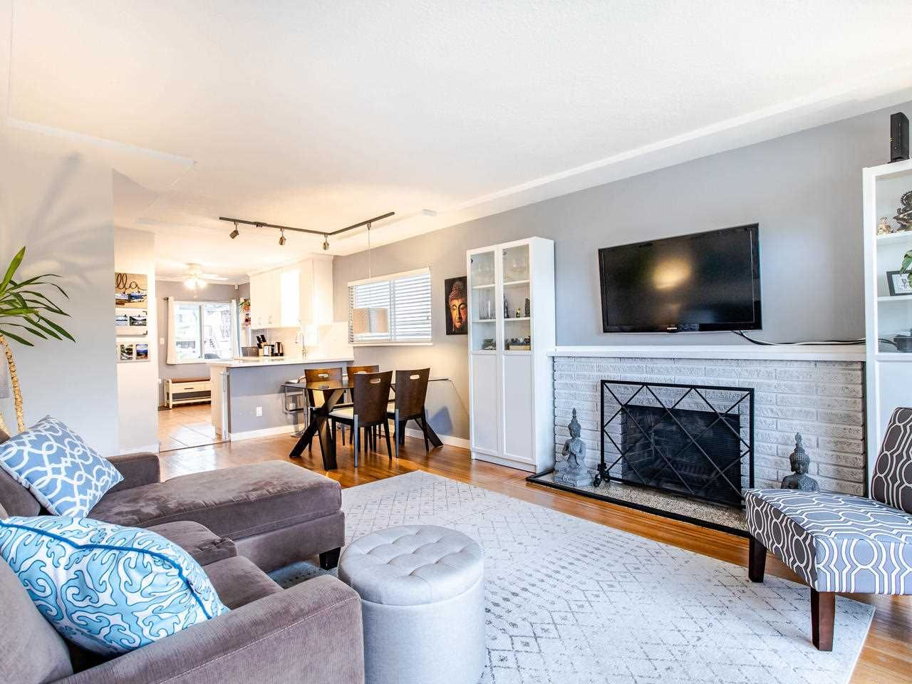 Photo 2: Photos: 4653 UNION STREET in Burnaby: Capitol Hill BN House for sale (Burnaby North)  : MLS®# R2493161
