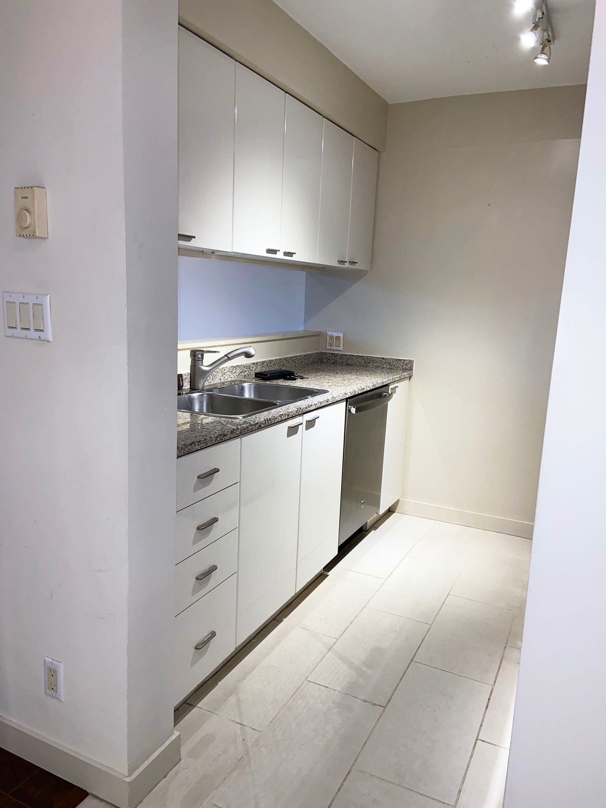 Photo 23: Photos: 1007-1200 W. Georgia St in Vancouver: Coal Harbour Condo for rent (Downtown Vancouver)