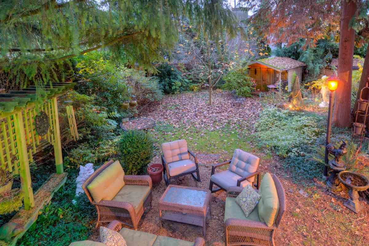"""Photo 93: Photos: 214 FOURTH Avenue in New Westminster: Queens Park House for sale in """"QUEENS PARK"""" : MLS®# R2136258"""