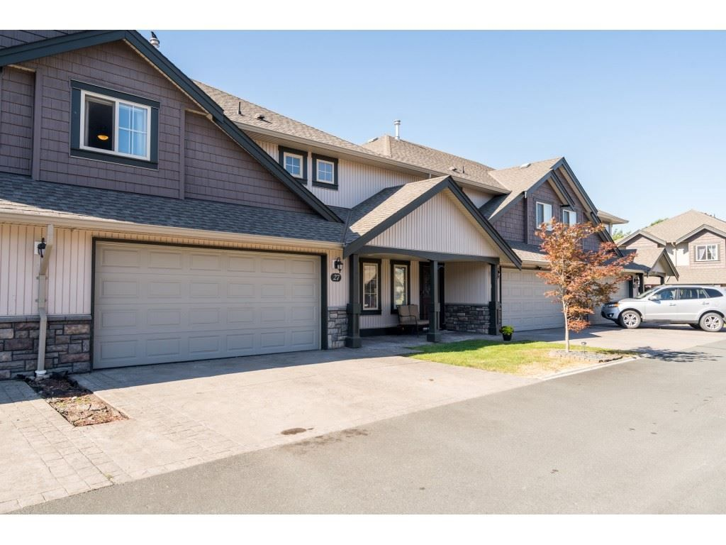"""Photo 2: Photos: 27 6450 BLACKWOOD Lane in Chilliwack: Sardis West Vedder Rd Townhouse for sale in """"The Maples"""" (Sardis)  : MLS®# R2480574"""