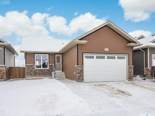 Photo 1: 854 Reimer Road in Martensville: Residential for sale : MLS®# SK801657