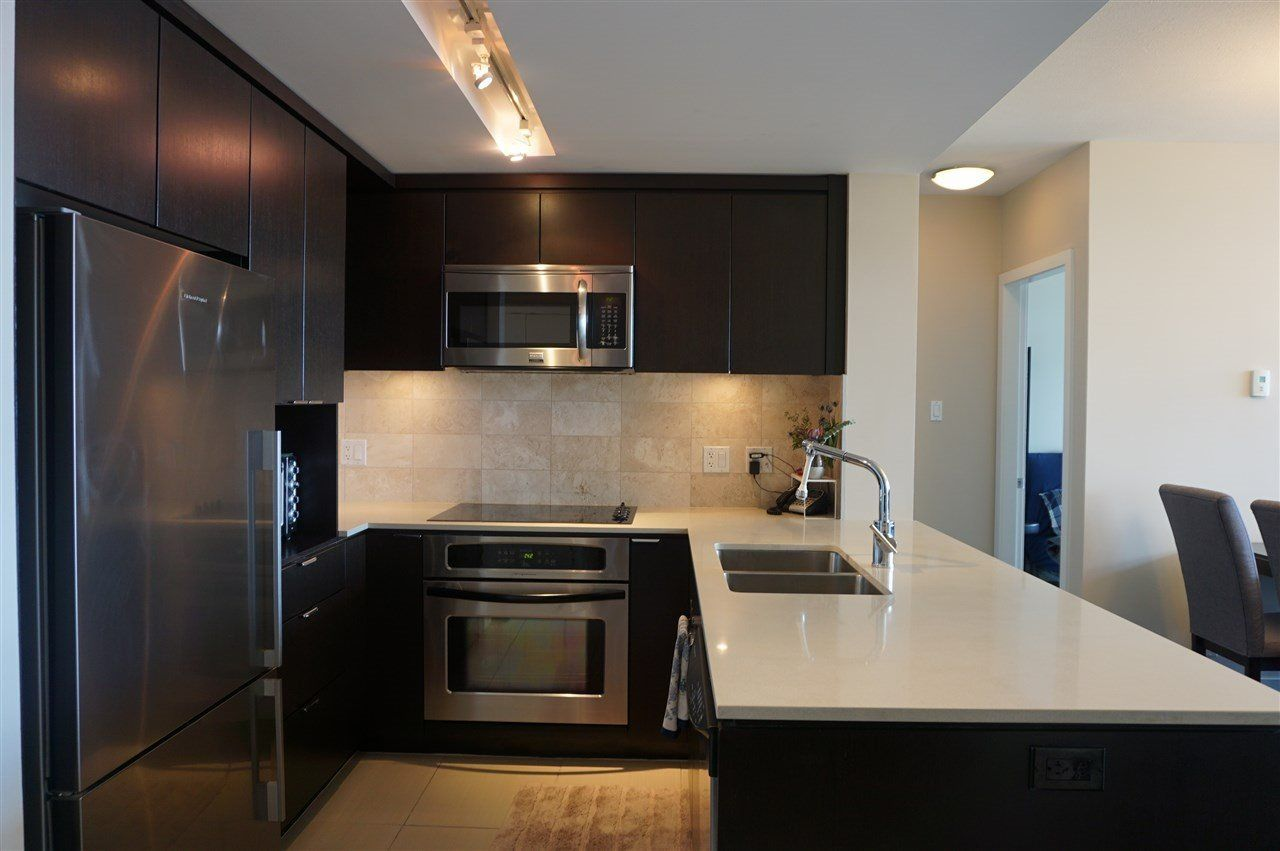 """Photo 2: Photos: 1404 1320 CHESTERFIELD Avenue in North Vancouver: Central Lonsdale Condo for sale in """"VISTA PLACE"""" : MLS®# R2227816"""
